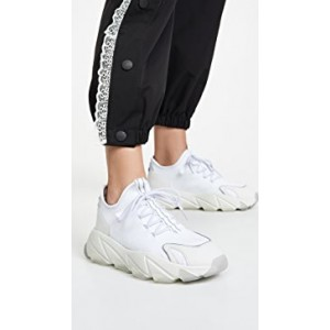 Excape Sneakers