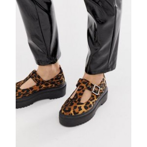 ASOS DESIGN Motivator Chunky flat shoes in leopard
