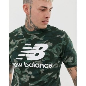 New Balance T-shirt in green camo