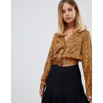 PrettyLittleThing crop bloused in leopard print