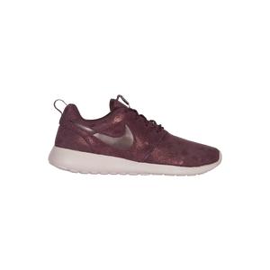 Nike Roshe One - Womens / Width - B - Medium