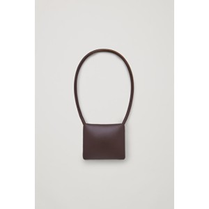 SHORT LEATHER STATEMENT NECKLACE