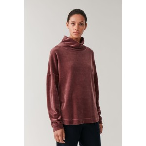 HIGH-NECK VELOUR SWEATER