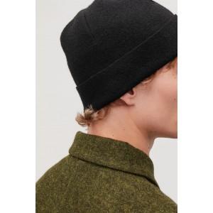 Raw-cut wool hat
