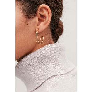 GRADUAL ROUNDED-LAYER HOOPS