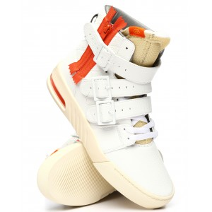 straight jacket plus vintage sneakers