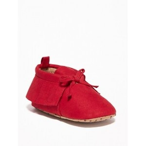 Fringed Faux-Sued Moccasins for Baby Hi, I'm New