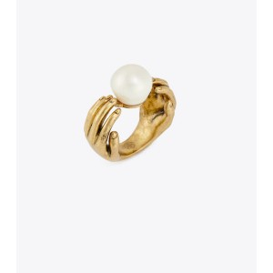 HAND & PEARL RING