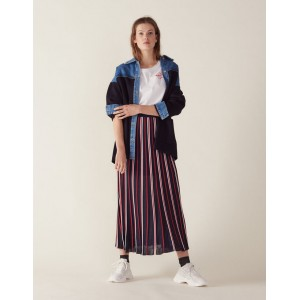 Long Knit Skirt With Pleats