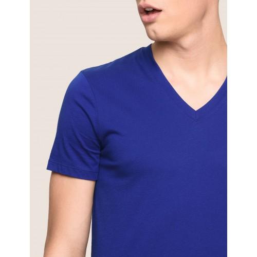 알마니 익스체인지 Armani Exchange PIMA V NECK TEE, Solid T Shirt for Men | A|X Online Store