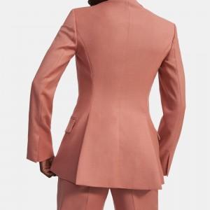 Fitted Blazer in Sleek Flannel