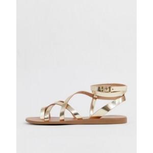 ALDO Gludda leather strappy toe loop sandal in gold