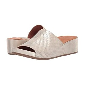 Gisele Wedge Slide 2