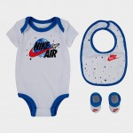 Boys Infant Nike Air 3-Piece Bib and Booties Space Box Set