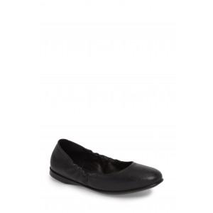 Incise Enchant Leather Ballet Flat