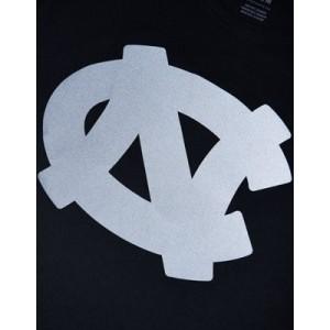 Tailgate Men's UNC Tar Heels Reflective Graphic T-Shirt