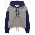 Tailgate Womens NY Yankees Colorblock Cropped Hoodie