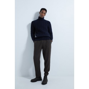 TEXTURED PLEATED PANTS