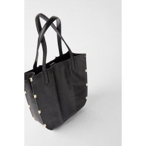 LEATHER SHOPPER WITH METALLIC DETAILS